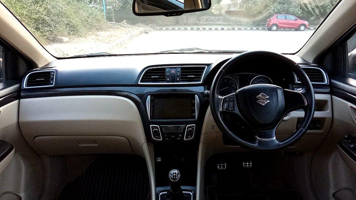 Spinny Assured Maruti Suzuki Ciaz dashboard